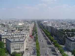 burnblog-_lavenue_des_champs_elysc3a9es_vue_du_haut_de_larc_de_triomphe.jpg
